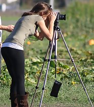 Sexy photographer gets photographed