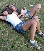 Busty hippie girl enjoys the sun