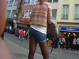 Cute girl got pantyhose under hot pants