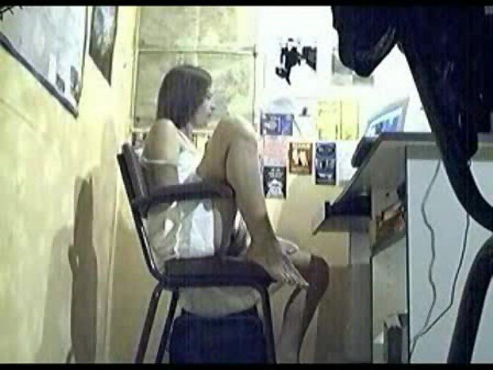 Поймали за мастурбацию скрытая камера, парень трахает девушку с самыми большими сиськами