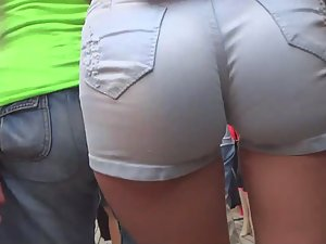 Hottest ass in shorts a voyeur ever saw Picture 6