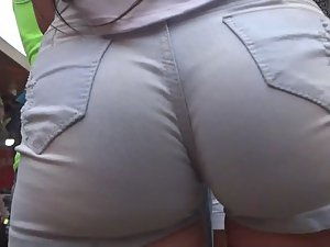 Hottest ass in shorts a voyeur ever saw Picture 8