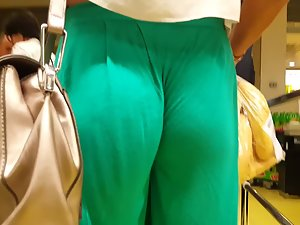 Impossible wedgie in loose pants