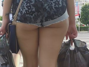 Hungry ass crack eats shorts