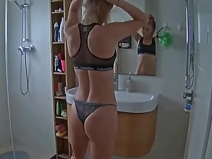 Spying on sister's fit body in bathroom