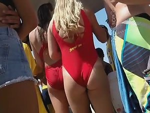 Like watching a sexy episode of baywatch