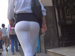 Round ass that you cannot miss Picture 2