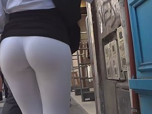 Round ass that you cannot miss Picture 5