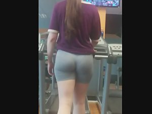 Visible thong and muscular buttocks while she runs