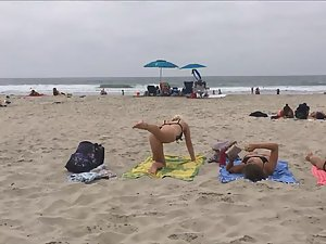Fit blonde exercises on beach Picture 5