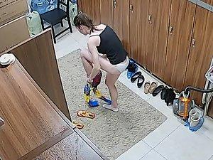 Hidden camera records a girl in the locker room
