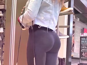 Good genes and lots of fitness needed for such an ass