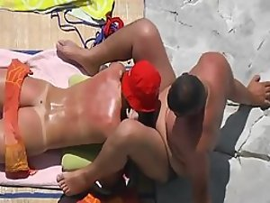 Hot view of her ass while she sucks dick
