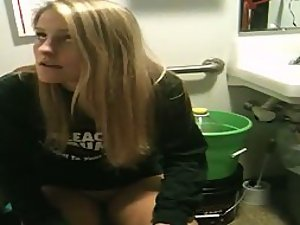 Breathtaking teen girl caught in a wc