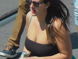 Lots of big tits filmed from a balcony