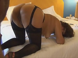Mature woman dressed sexy for a video