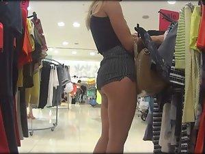 Clothing s tore voyeur