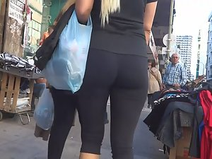 Fabulous milf in tight spandex