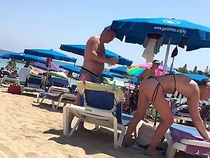 Fit blonde milf in sexy thong bikini Picture 1