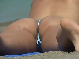 Pussy slip out of a tiny bikini Picture 4