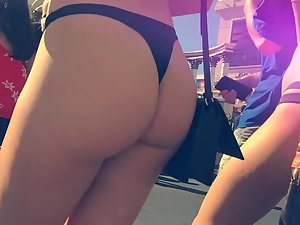 Girl grabs an epic ass and she won't let go Picture 7