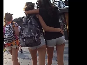 Teens walking and groping each other Picture 2