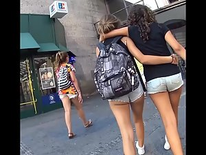 Teens walking and groping each other Picture 4