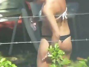 Peep on my neighbor lotionioning her ass