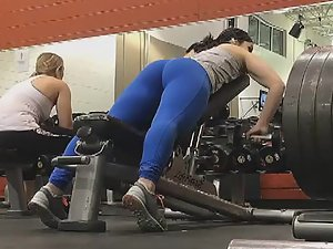 Many tight butts in the gym