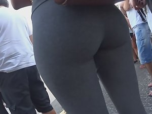 Young thighs gap and cameltoe Picture 1