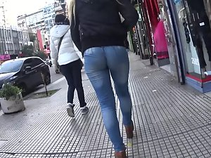 Just focus on those round ass cheeks Picture 2