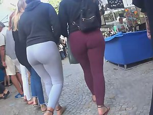 Creepshot of sisters with big butts Picture 1
