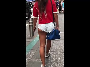 Sexy tanned legs and perfectly round ass Picture 6