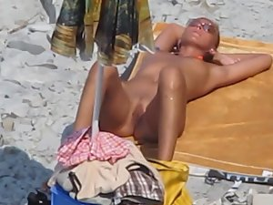 Fun day at beach along with blowjob Picture 2