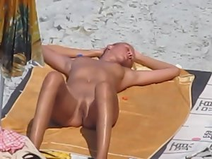 Fun day at beach along with blowjob Picture 3