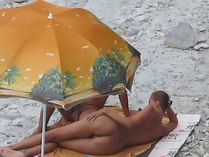 Fun day at beach along with blowjob Picture 5