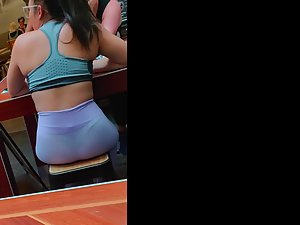 Thick asian ass sitting in tight spandex Picture 1