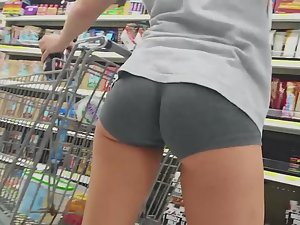 Cross fit girl spied in supermarket