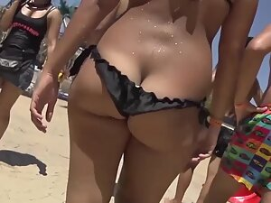 Bikini keeps falling off her chunky butt