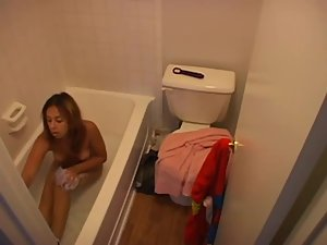 Peeping on young sister in a bath tub Picture 2