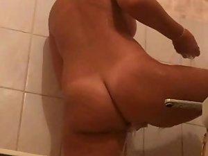 Peeping on naked sister from under bathroom door