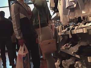 Chubby girl shops with boyfriend Picture 1