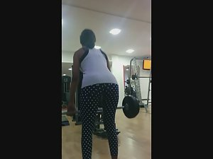 Deadlift makes her ass open up Picture 6