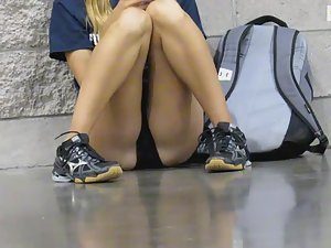 Hot schoolgirl sitting very seductively Picture 4