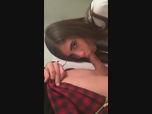 Blowjob while she is pissing Picture 1