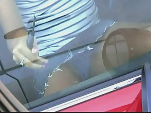 Upskirt of hot blonde when she enters the car