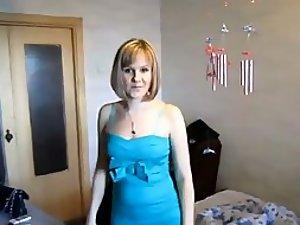 Classy mature lady sucks a hard dick
