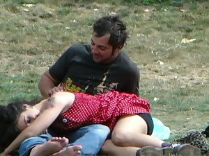 Shameless groping and kissing in public Picture 7
