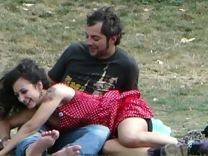 Shameless groping and kissing in public Picture 8