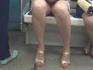 Tired girl in the subway train Picture 7